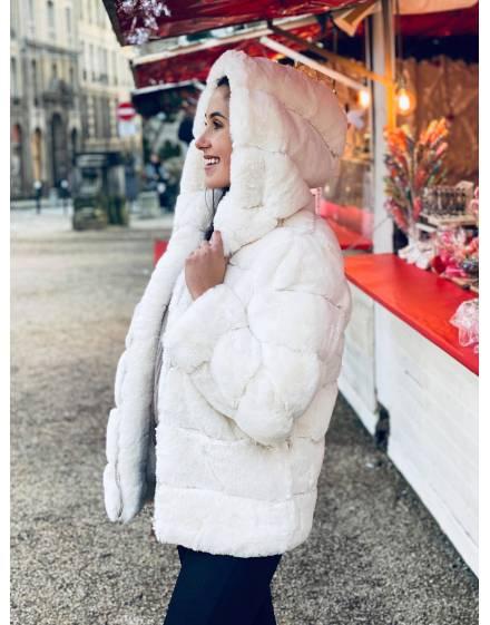 Manteau fourrure blanche